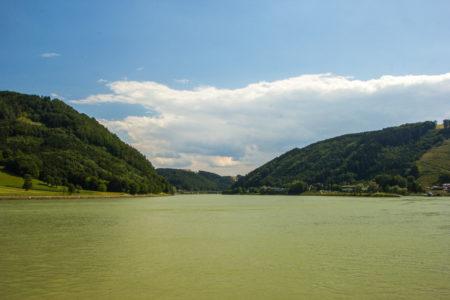 Vale do Rio Danúbio em Grein, Áustria