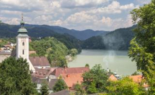 Vista do castelo Greinburg